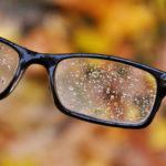 Ako sa zbaviť okuliarov na čítanie? 3 argumenty, ktoré hovoria za operáciu laserom