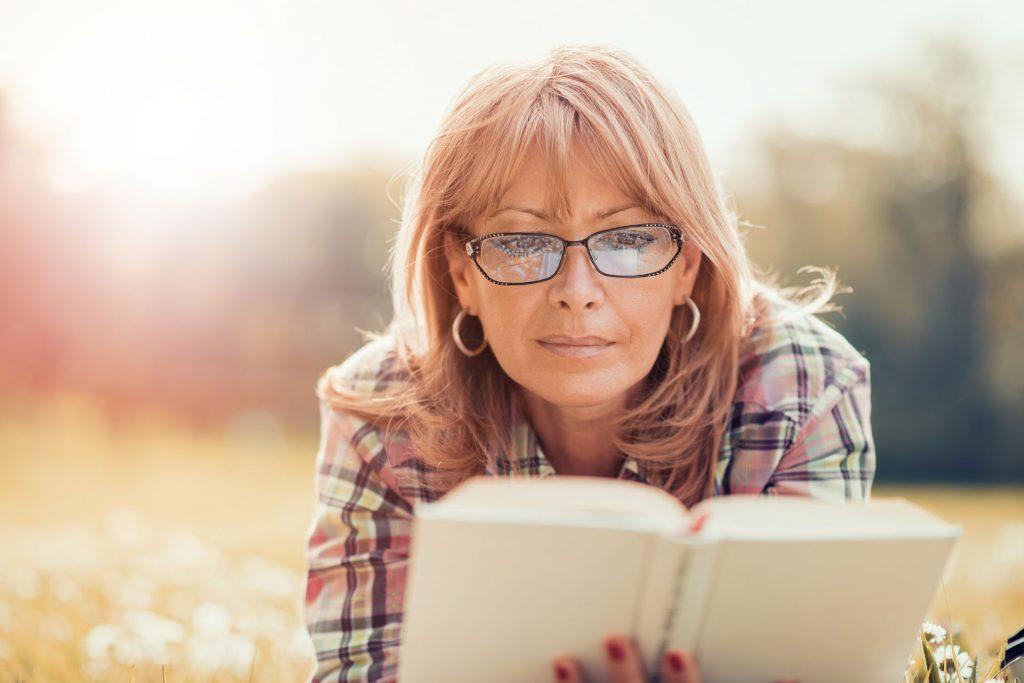 Okuliare na čítanie, alebo keď nám už zrak neslúži ako kedysi